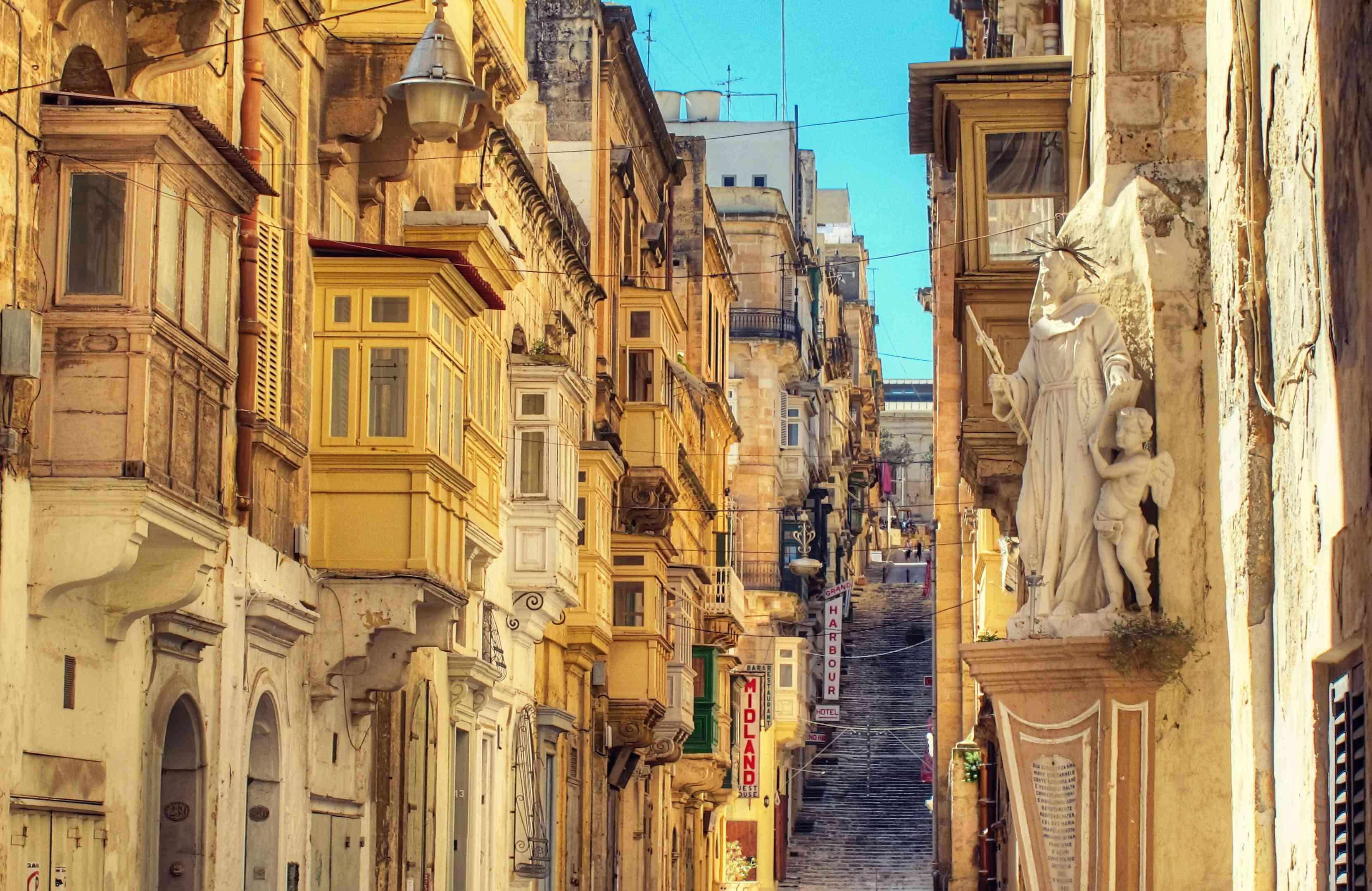 Battery Street, Valletta