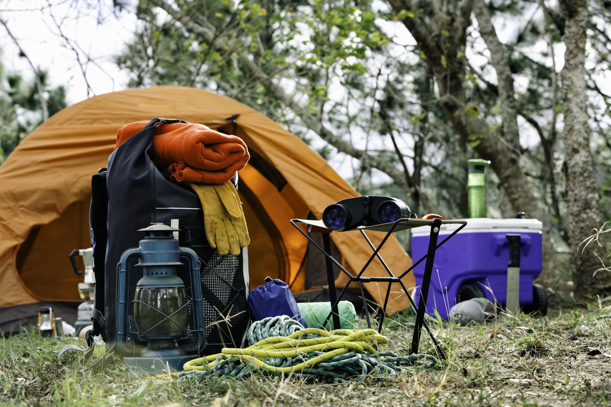 """The 8 Best Survival Gear """"Bug Out Bag"""" Items of 2019"""