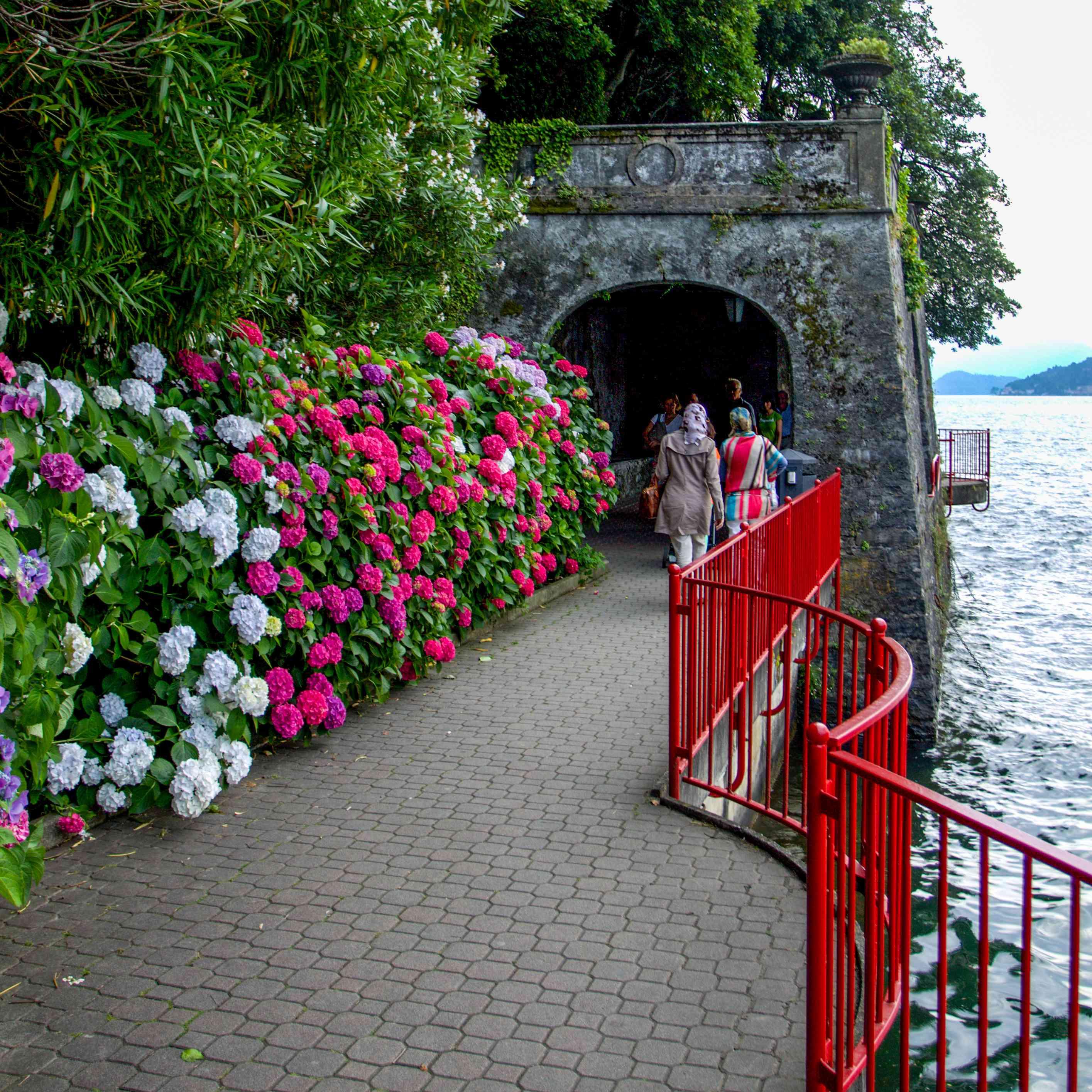 Passeggiata degli Innamorati (Lover's Walk) in Varenna, Italy