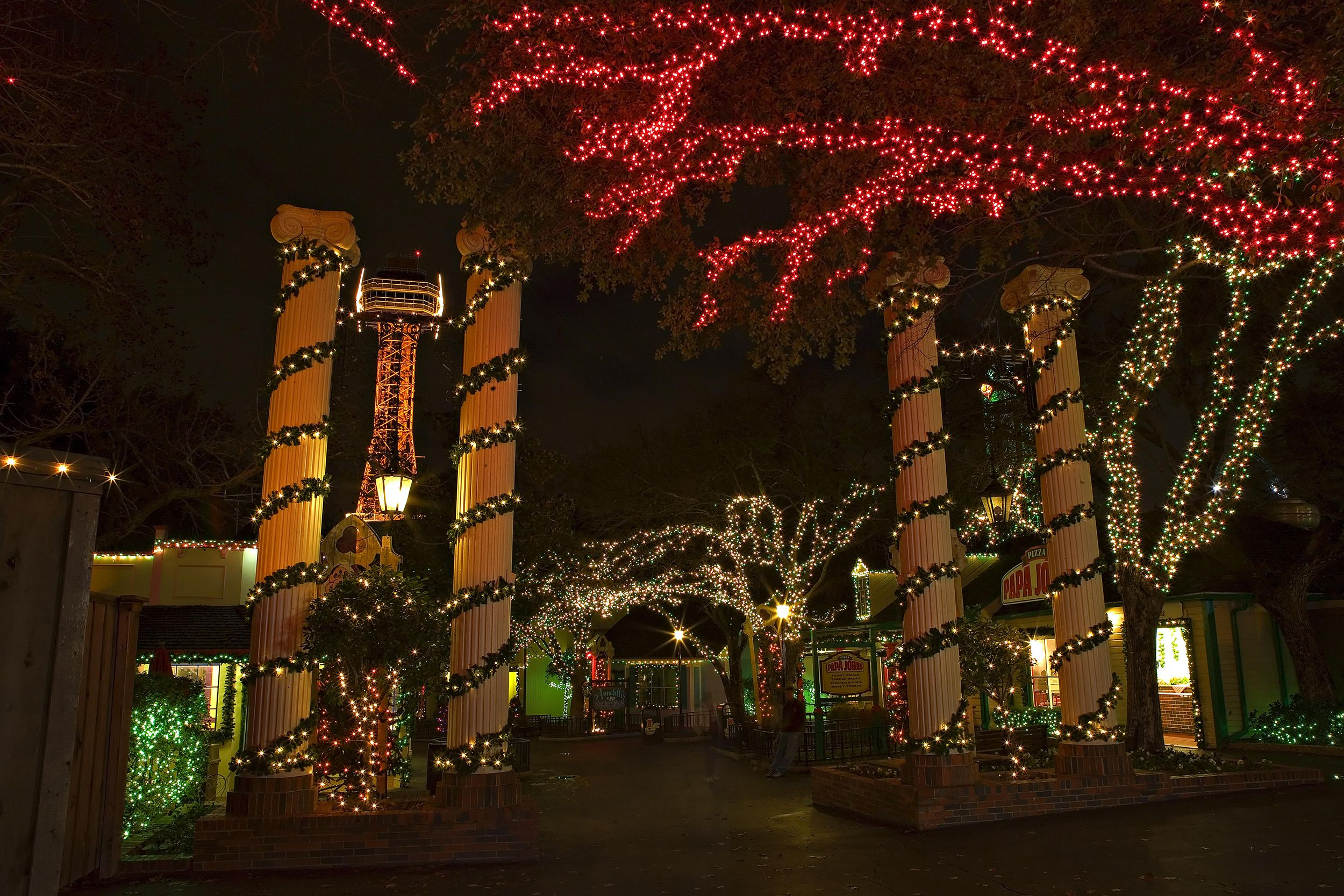 Celebrate Christmas at Six Flags in 2018