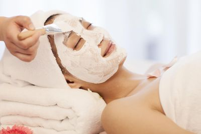 The Basic Steps Of A Professional Facial