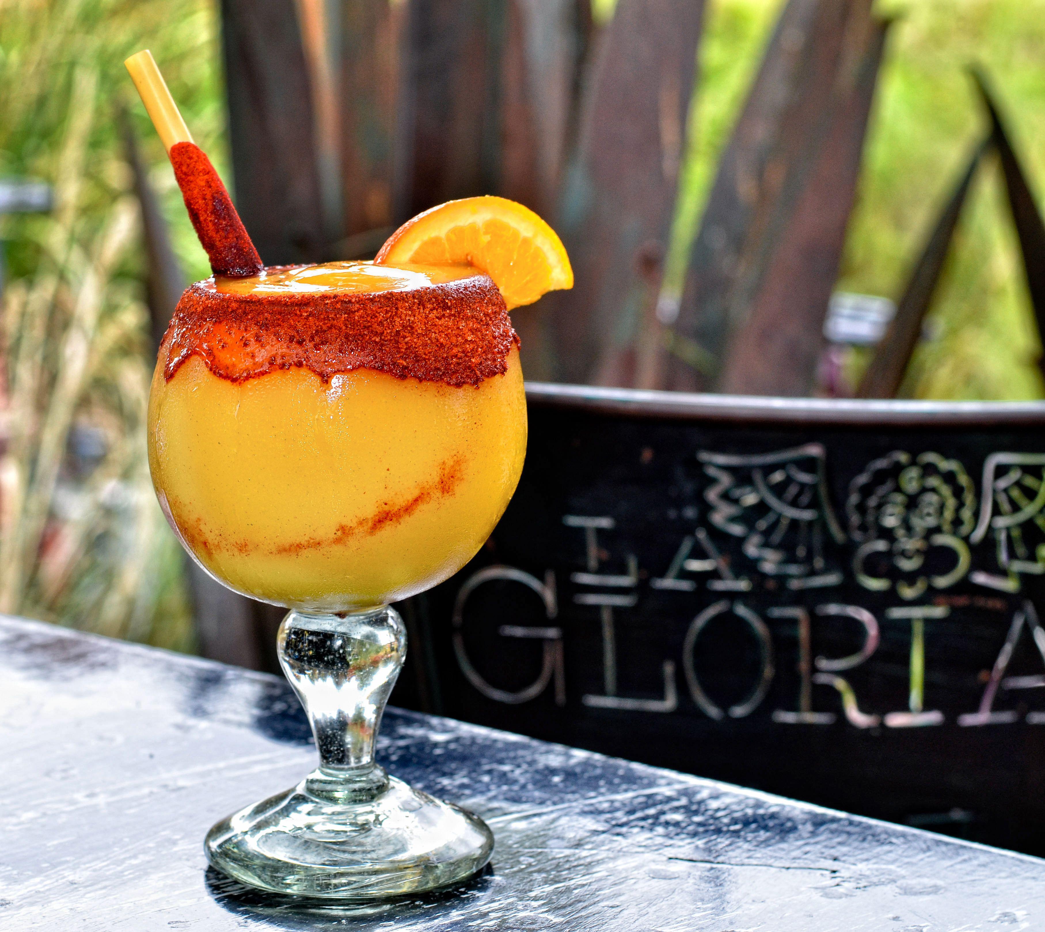 Bebida Mangonada de La Gloria