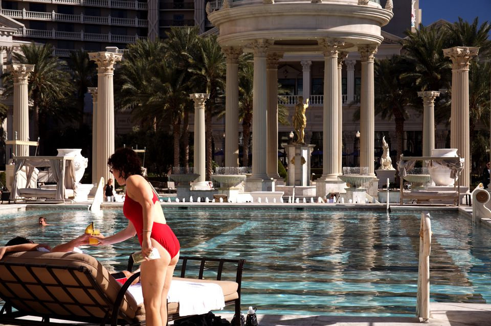 The 5 Best Months To Be At A Las Vegas Pool