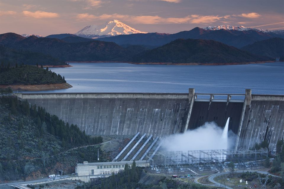 Shasta Lake, Shasta Dam and Mount Shasta