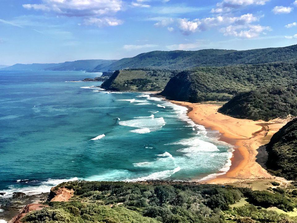 Pacific Ocean breakers on Garie Beach, Royal National Park, Sydney, NSW, Australia