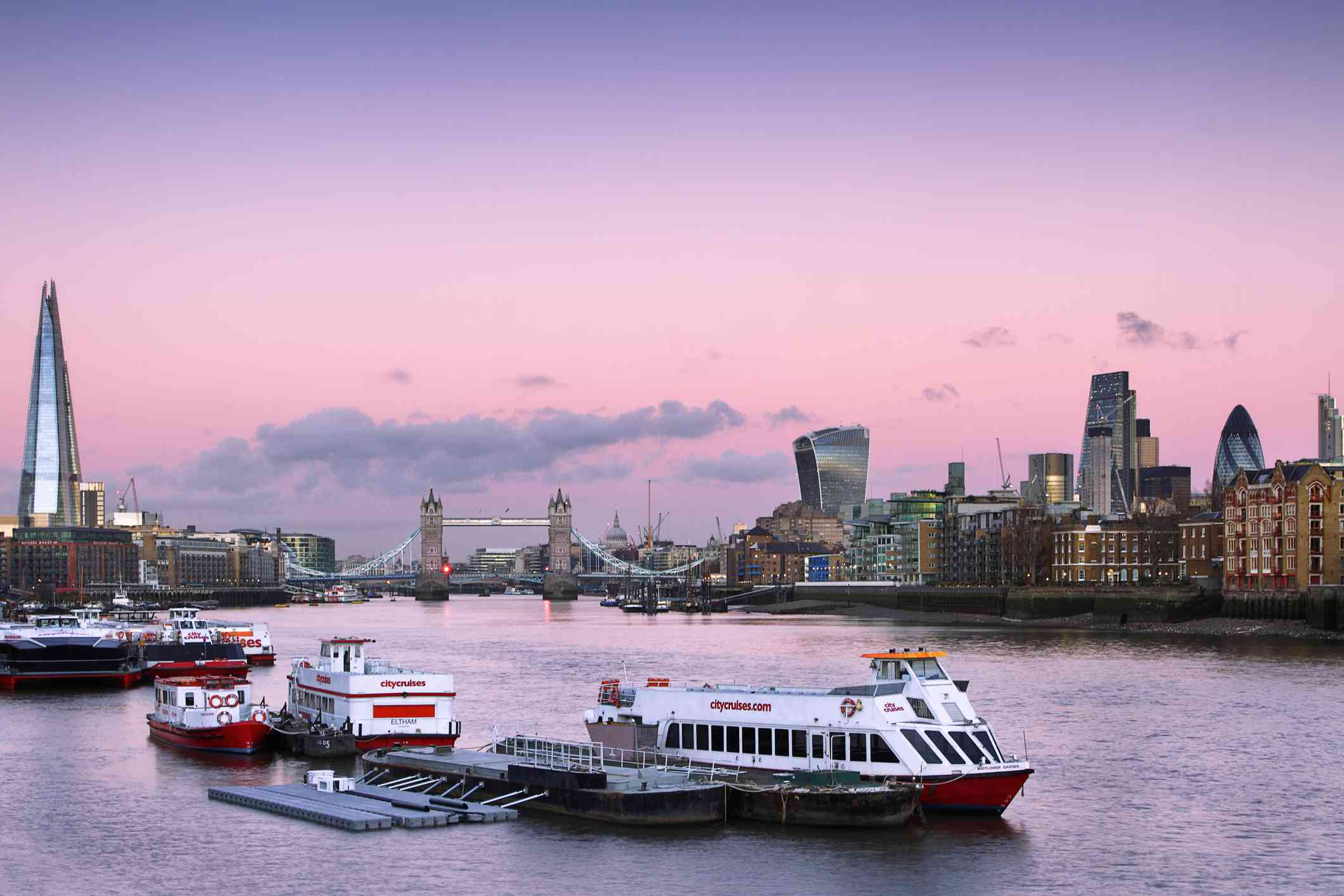 Cruise the Thames