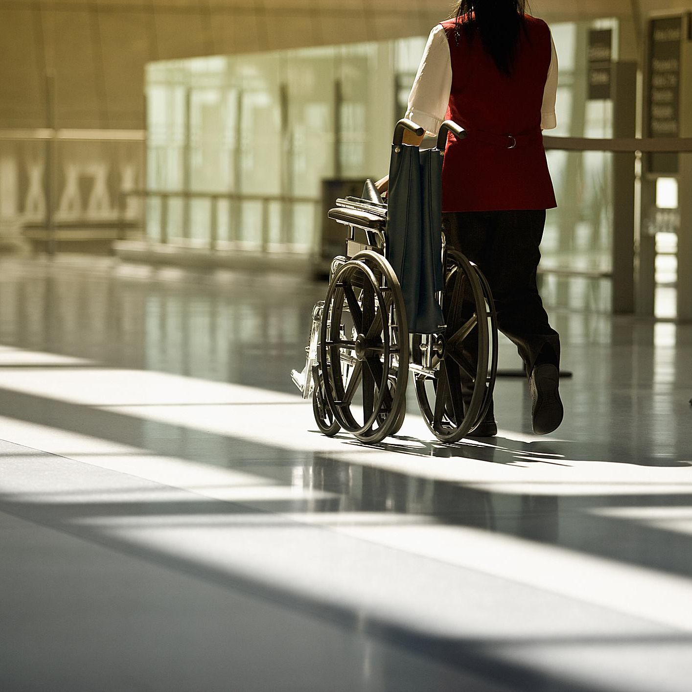 How to Request a Wheelchair or Cart at the Airport