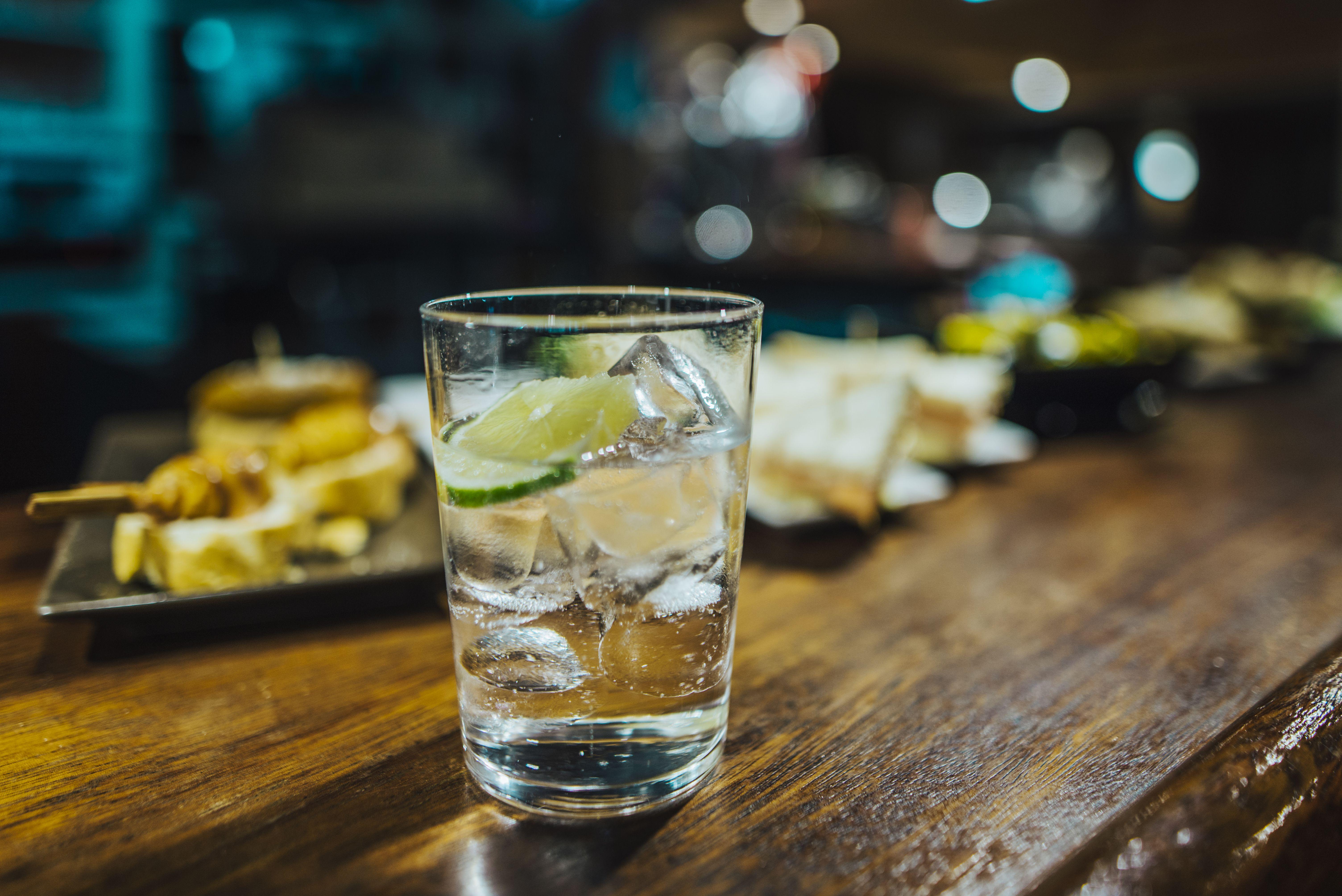 Gin tonic at bar