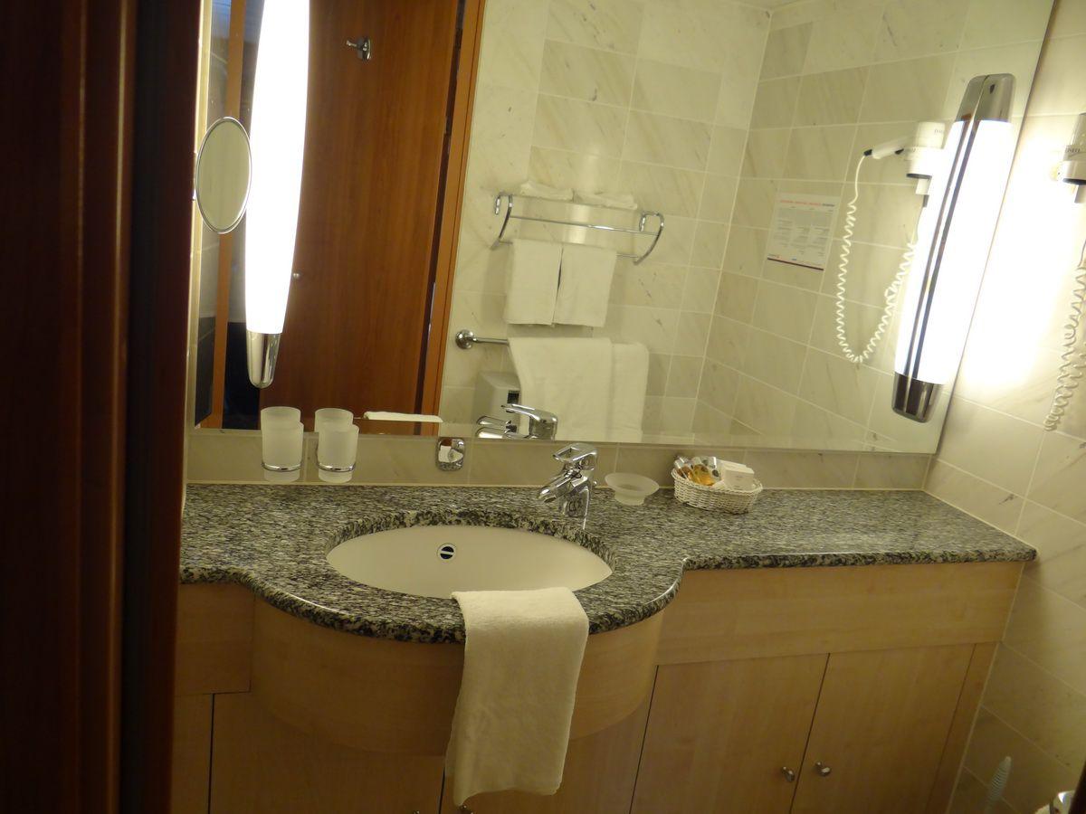 Midnatsol Mini-Suite Bathroom - Hurtigruten Coastal Liner Accommodations
