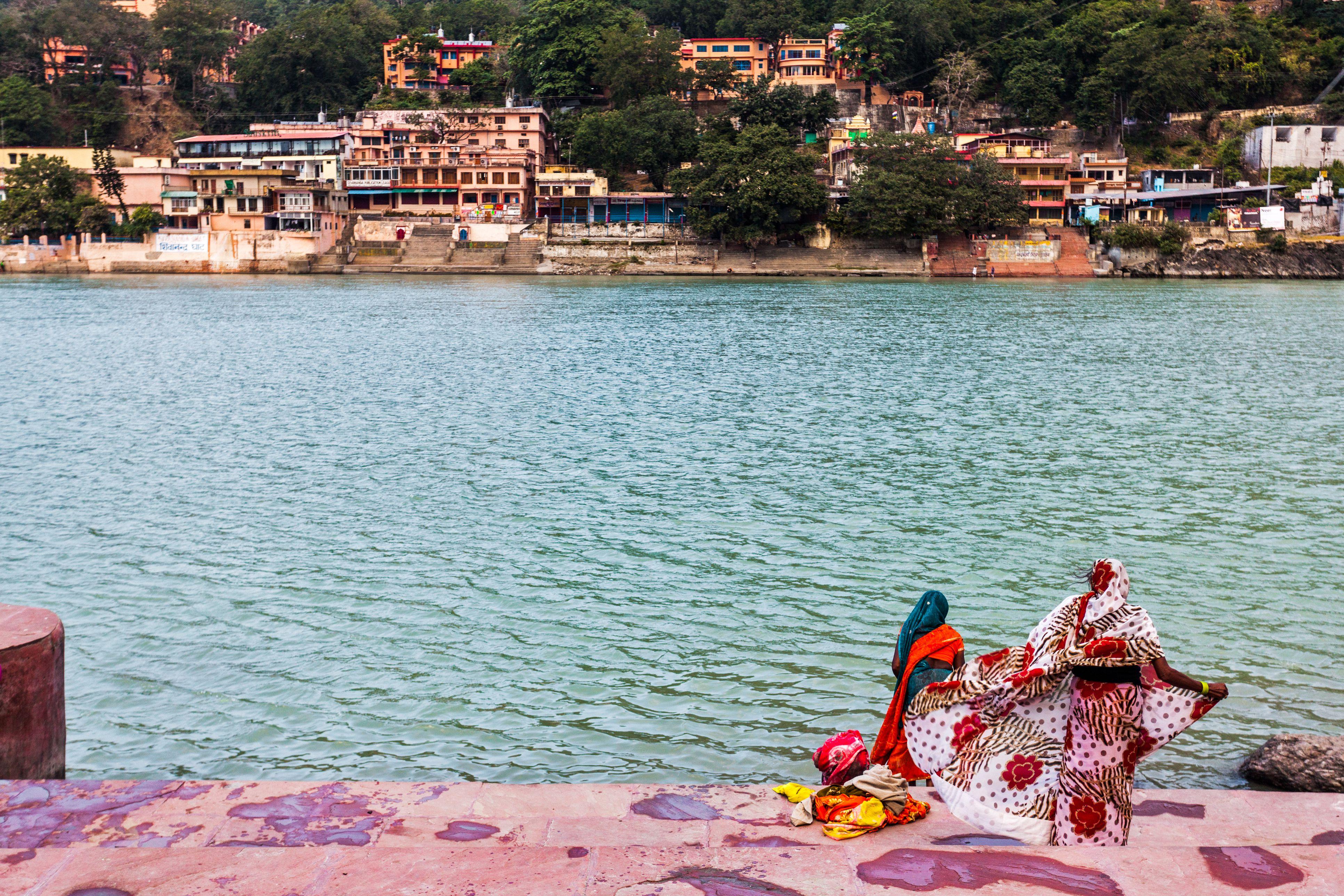 14 Top Rishikesh Ashrams for Yoga and Meditation