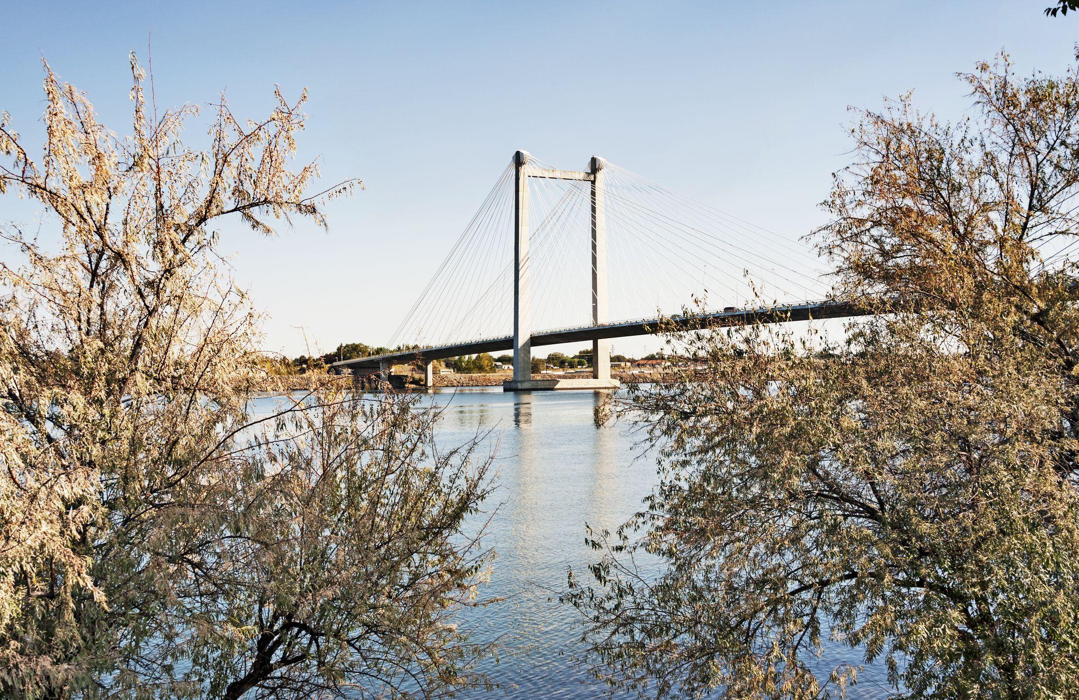 Green Bridge over Columbia River