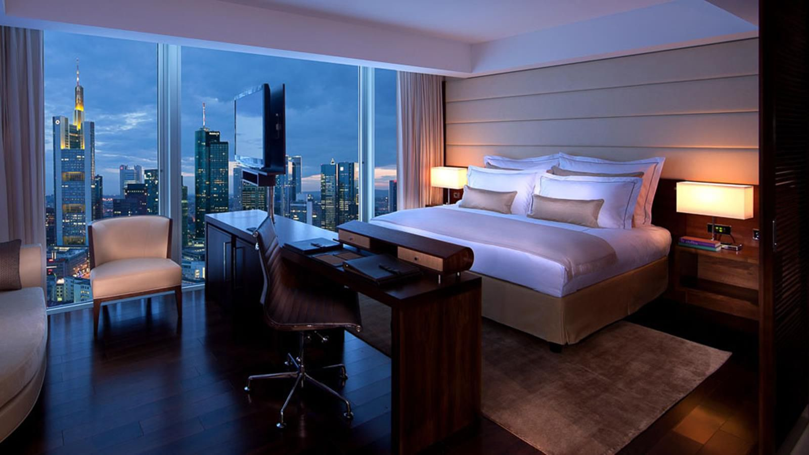 A guest room at the Jumeirah Frankfurt