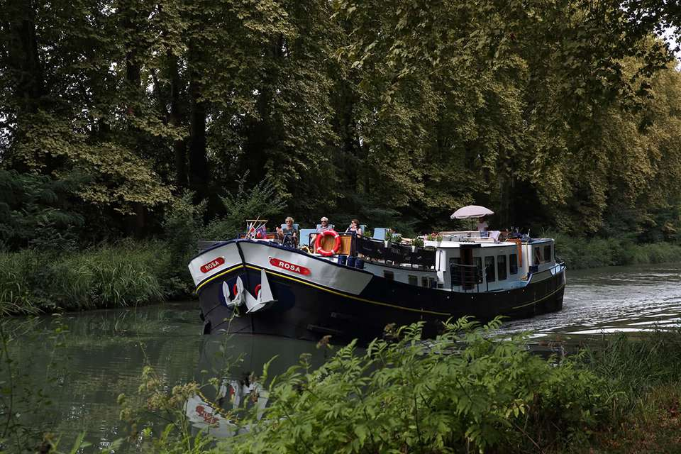 Rosa Barge Cruises in France