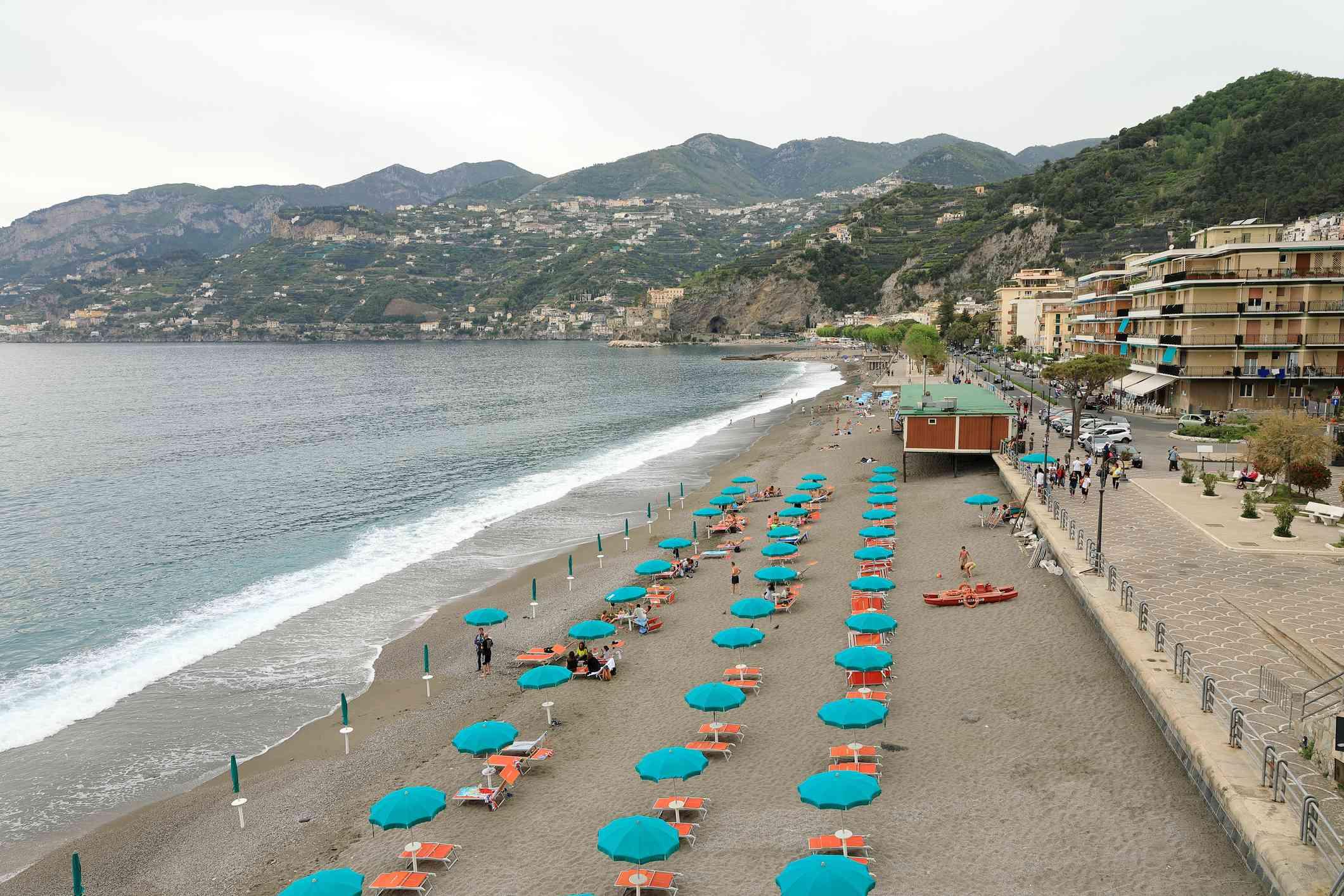 The 10 Best Beaches On The Amalfi Coast