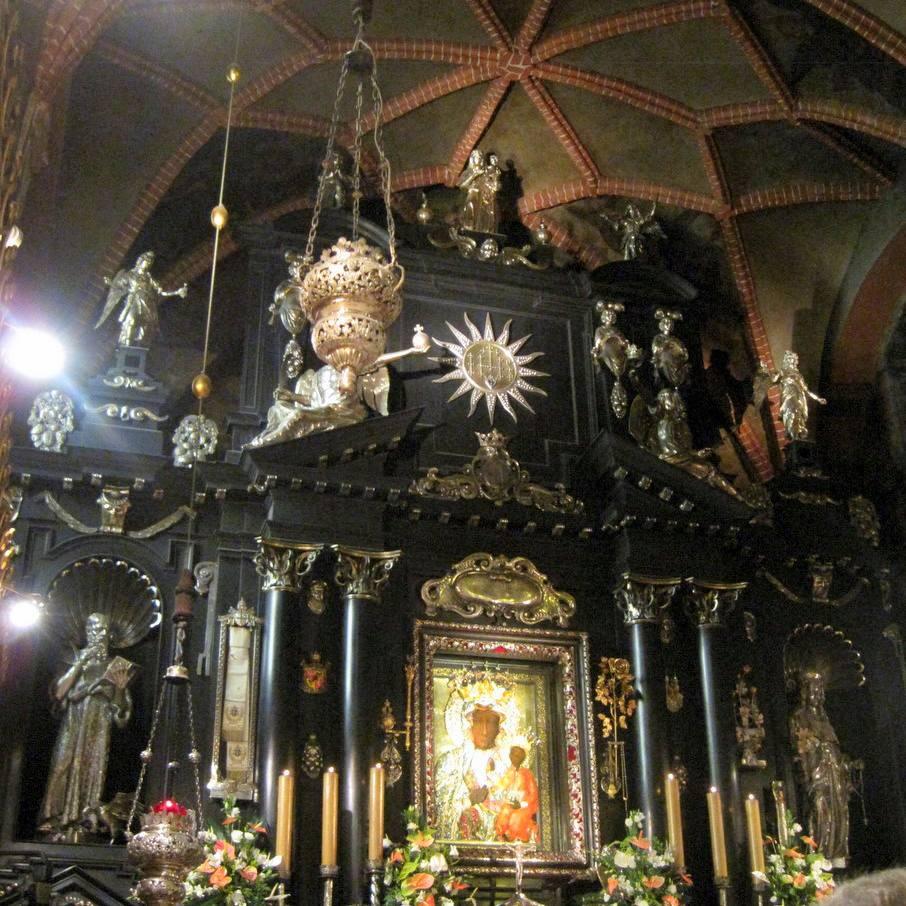 Alteración de la Virgen Negra, Monasterio Jasna Gora