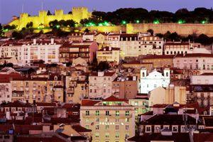 Lisbon cityscape featuring Castelo Sao Jorge