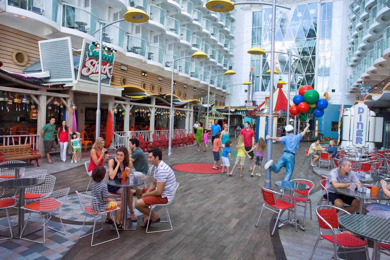Oasis of the Seas Boardwalk