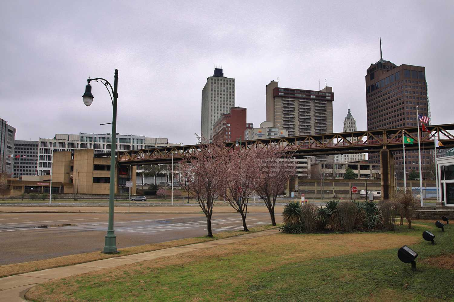 Overhead Monorail for the Mud Island River Park