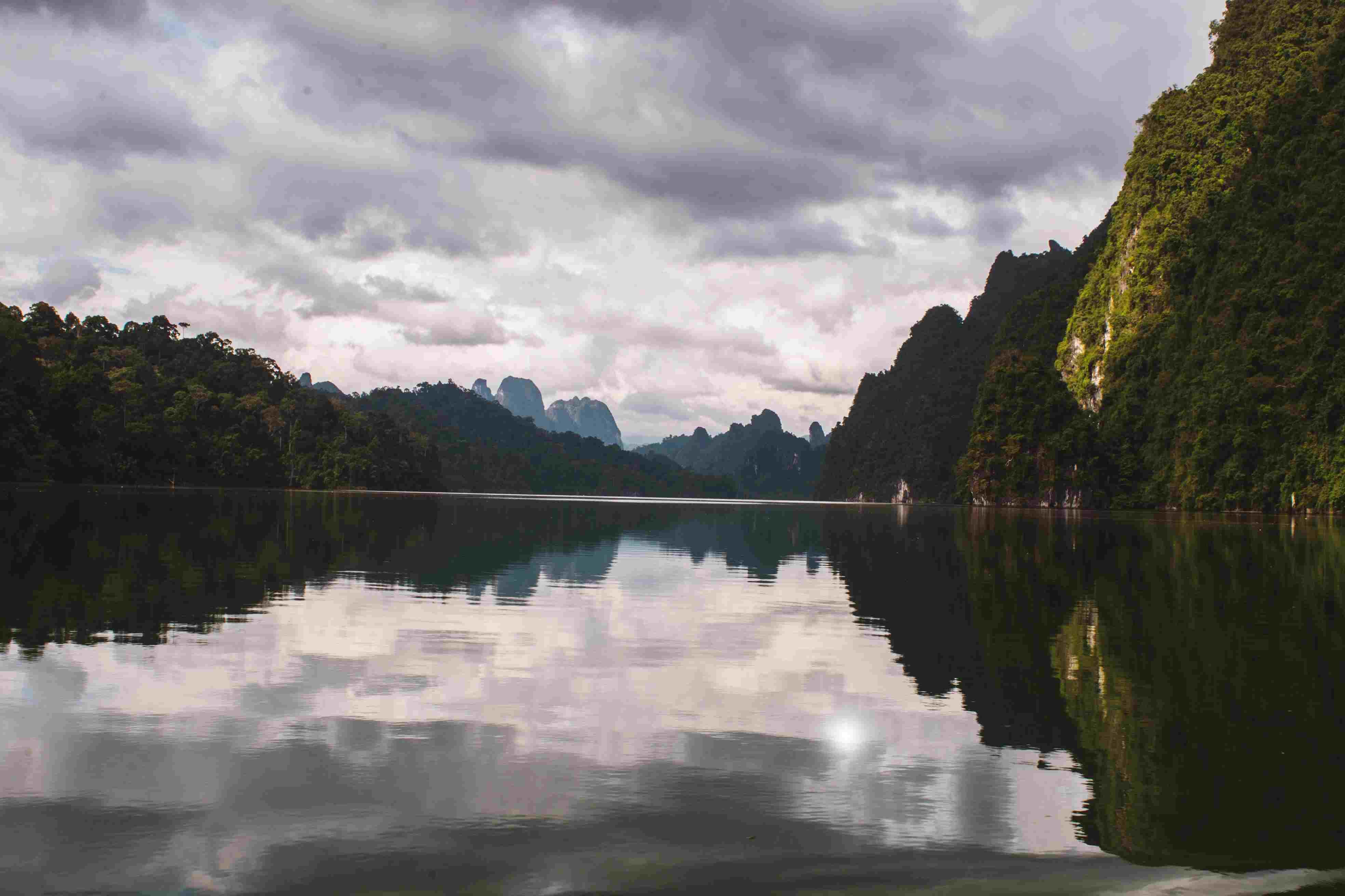 Río en el Parque Nacional Khao Sok