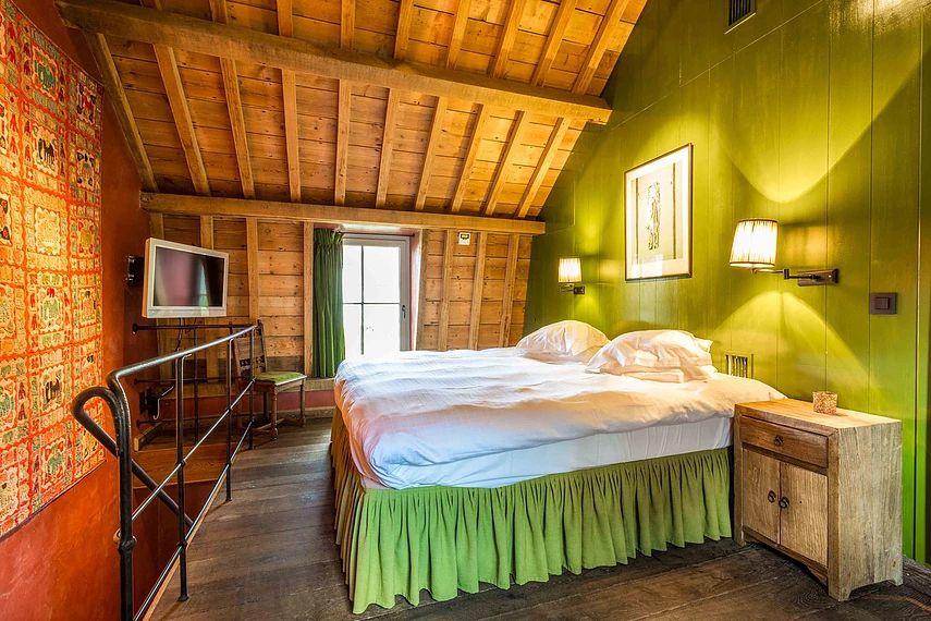 Canal Deluxe Bed & Breakfast