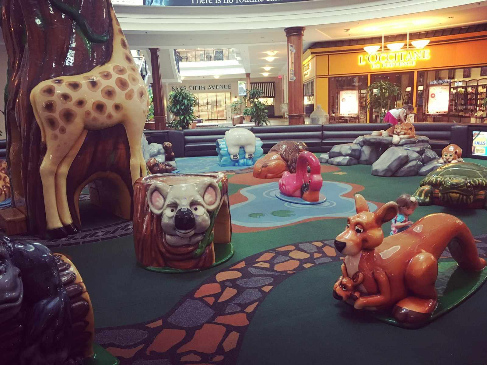 The Zoo-Themed Play Place at the Polaris Mall