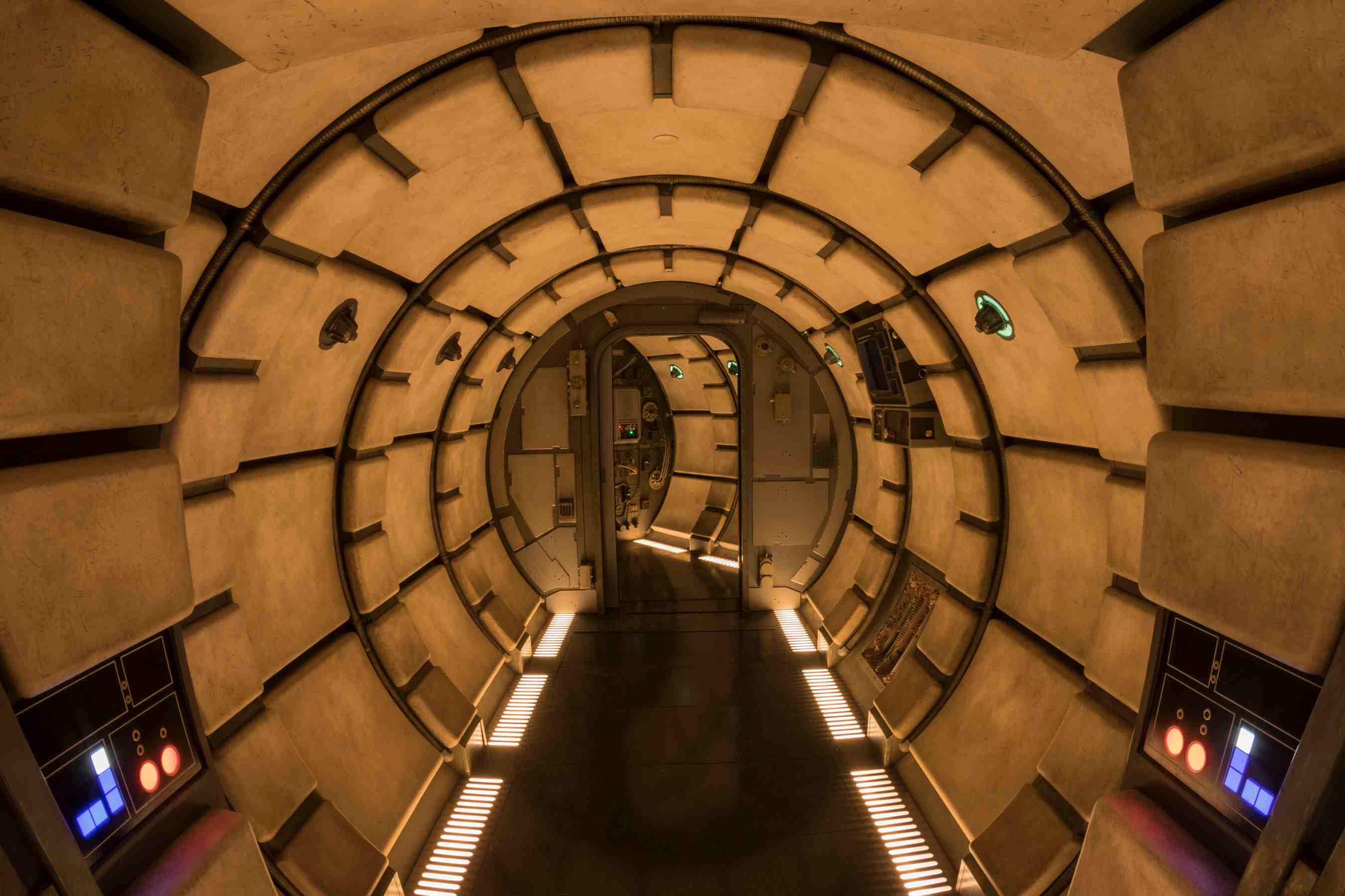 Túnel a bordo del Millennium Falcon: Smugglers Run ride