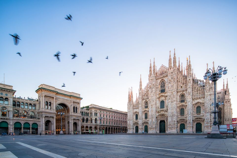 the Piazza del Duomo at dawn, Milan