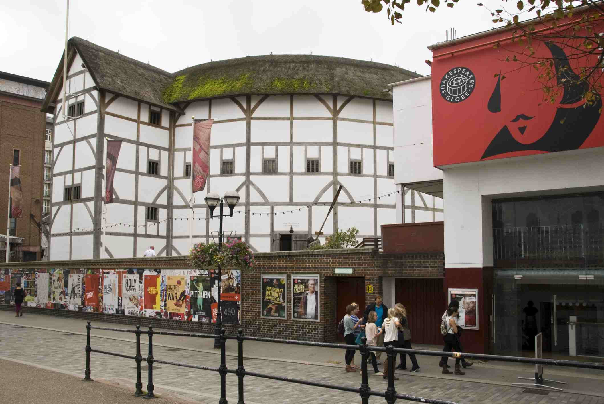 Shakespeare's Globe London - Globe Theatre Tour