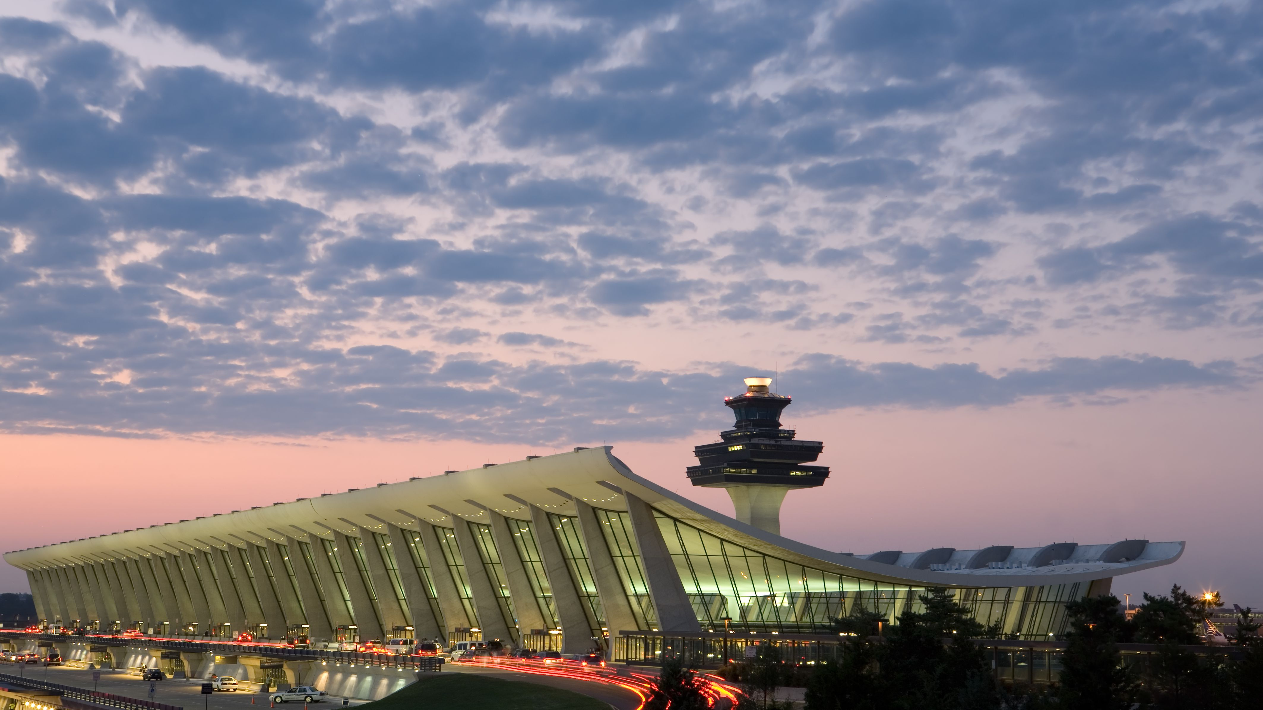 Getting to Dulles Airport (IAD) From Washington, DC