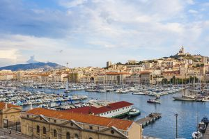 France, Provence-Alpes-Cote d'Azur, Bouches-du-Rhone, Marseille, Port Vieux, View to harbour and old town, Panorama