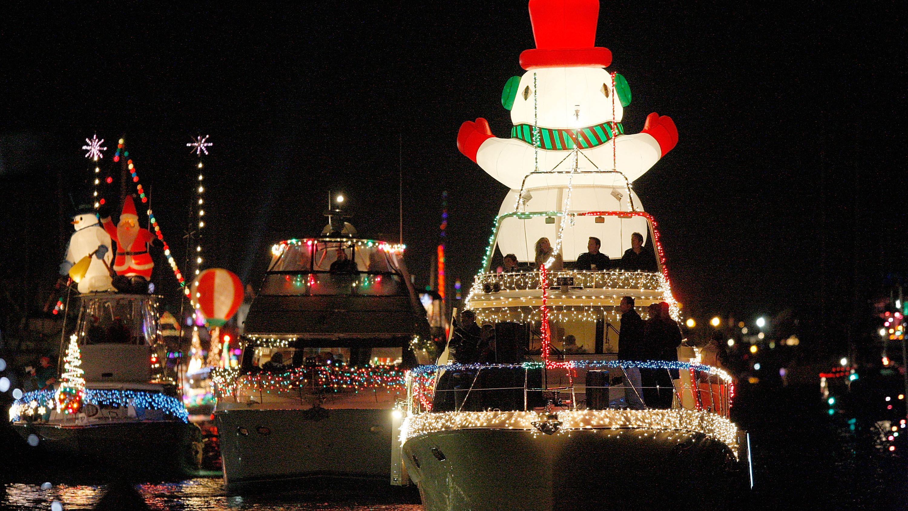 Newport Beach Christmas Lights Cruise.Newport Beach Christmas Boat Parade The Complete Guide