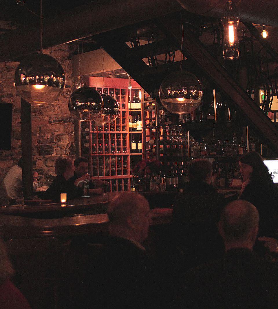 modavie montreal jazz restaurant clint lewis