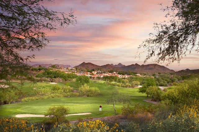 sunset over the green at Pointe Hilton Tapatio Cliffs Resort: Phoenix, AZ