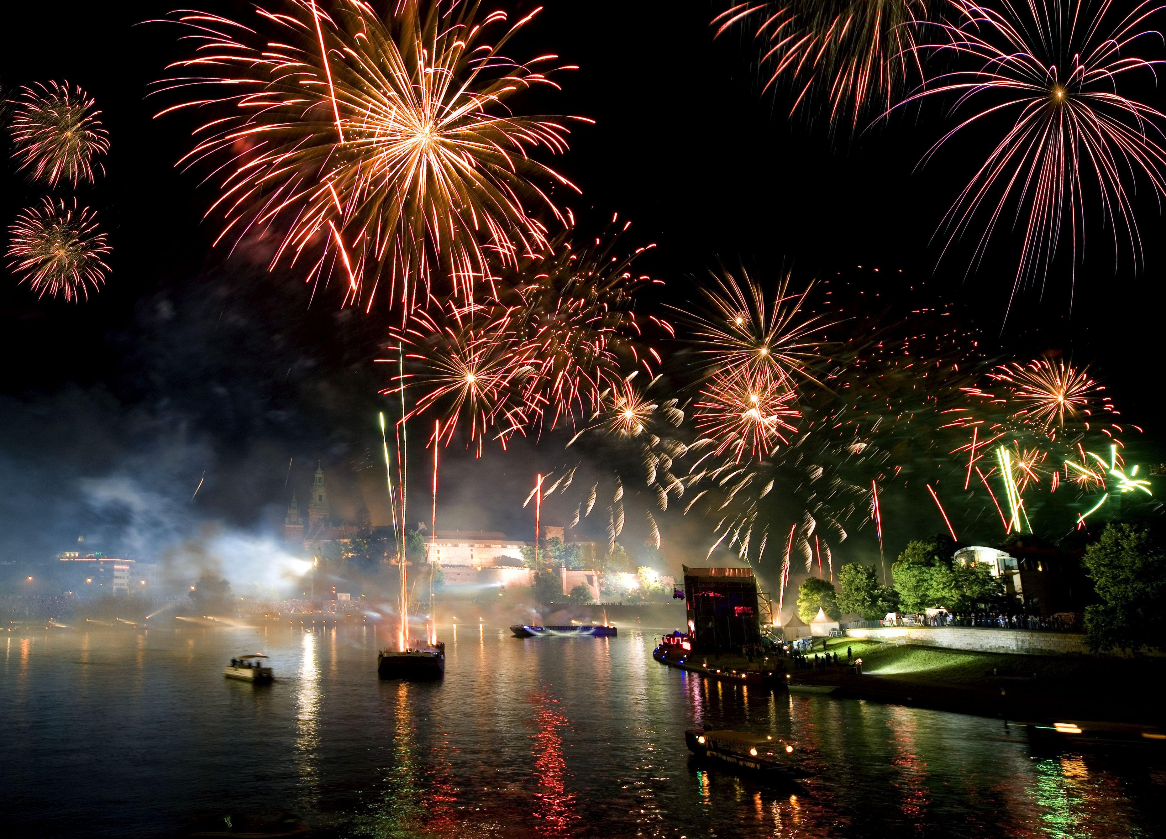 Poland, Krakow, Wianki, Annual festival held on St John's night on the Vistula River by Wawel Hill