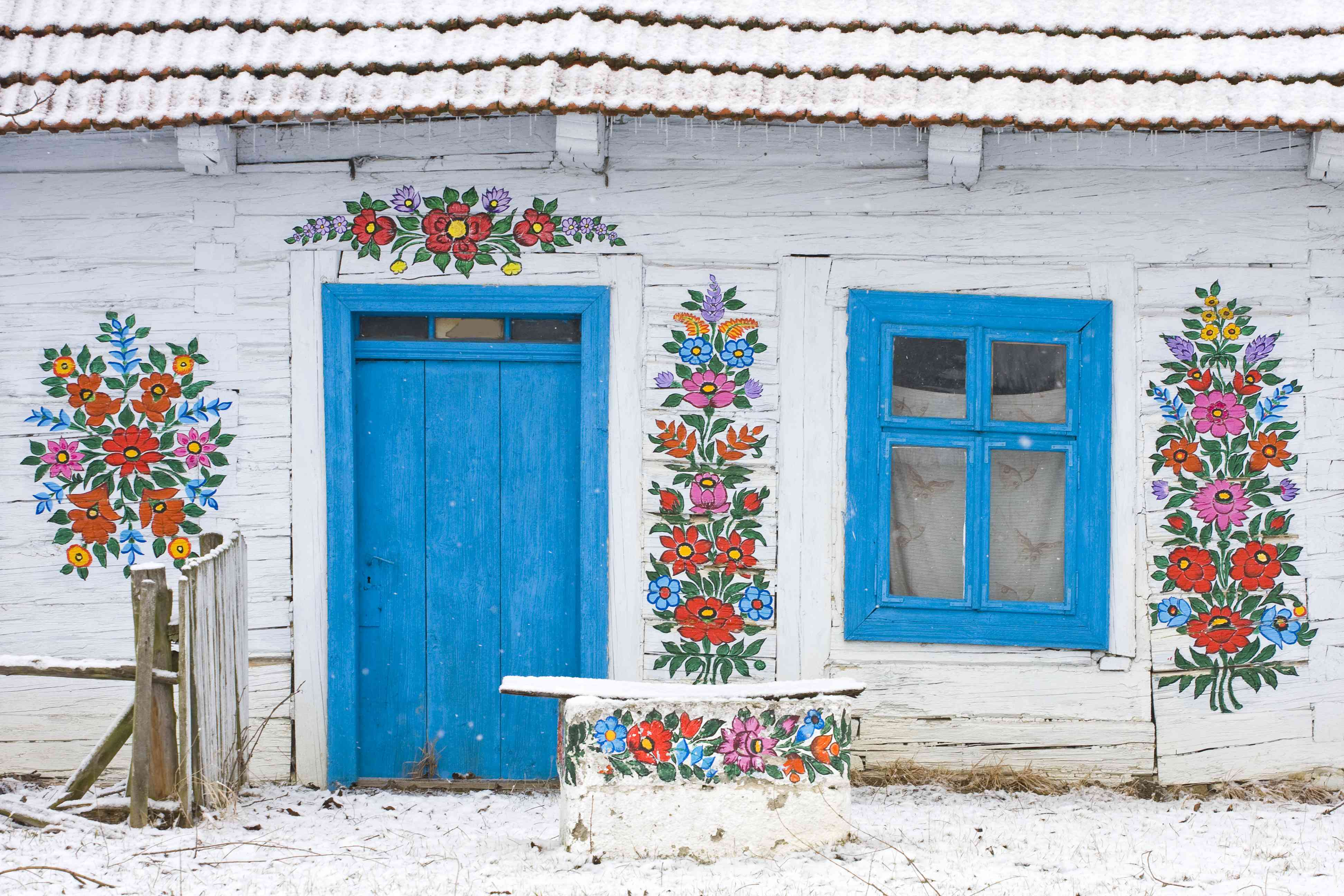 Facade with a folk decoration