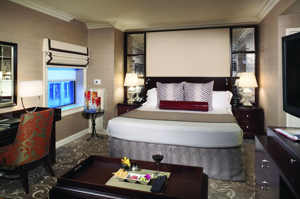 the hamilton crowne plaza hotel in washington dc. Black Bedroom Furniture Sets. Home Design Ideas