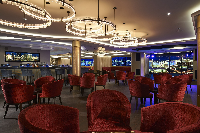 Skyline Bar on the Norwegian Escape cruise ship