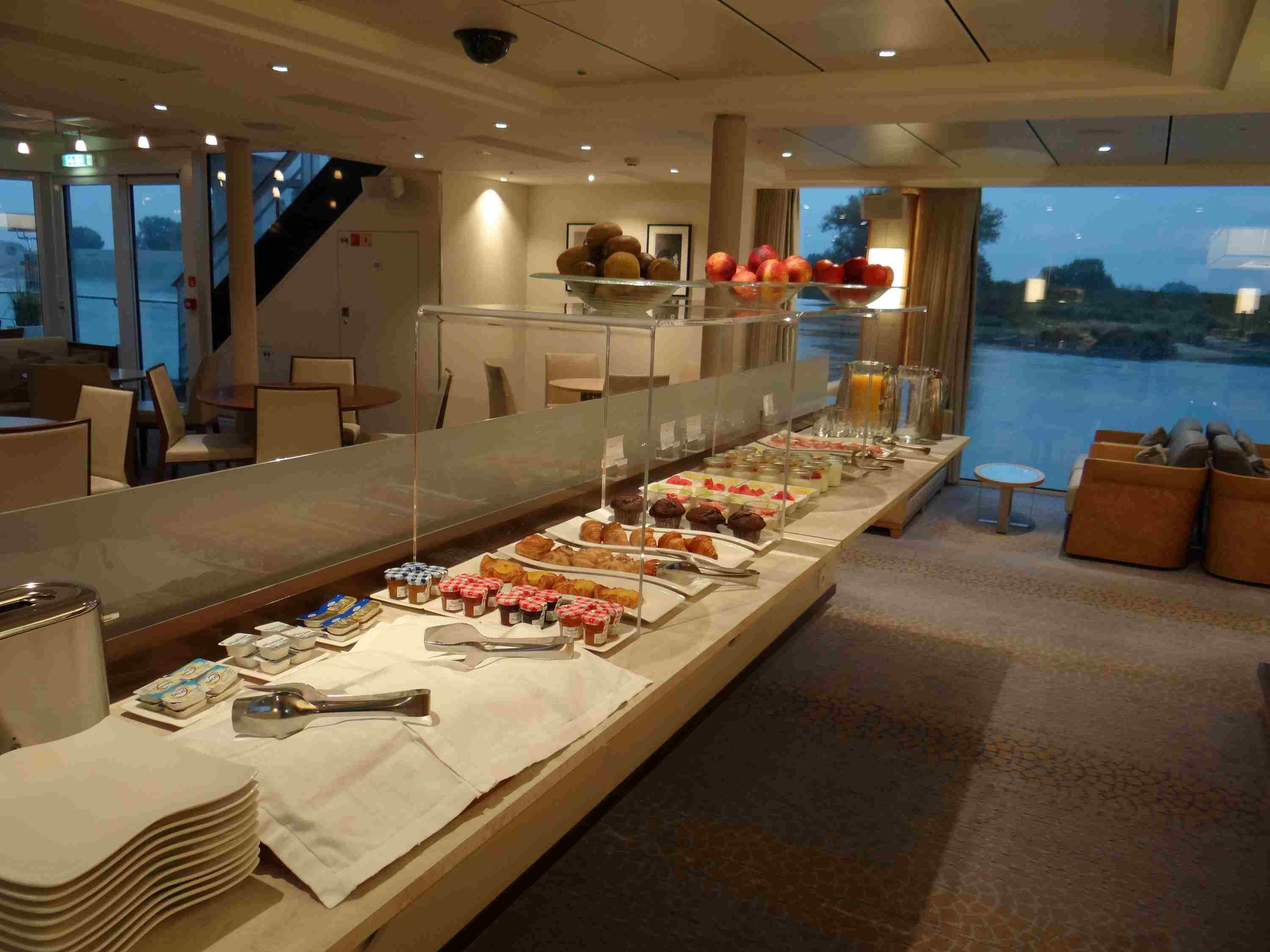 Light breakfast in the Lounge of the Viking Elbe River cruise ships