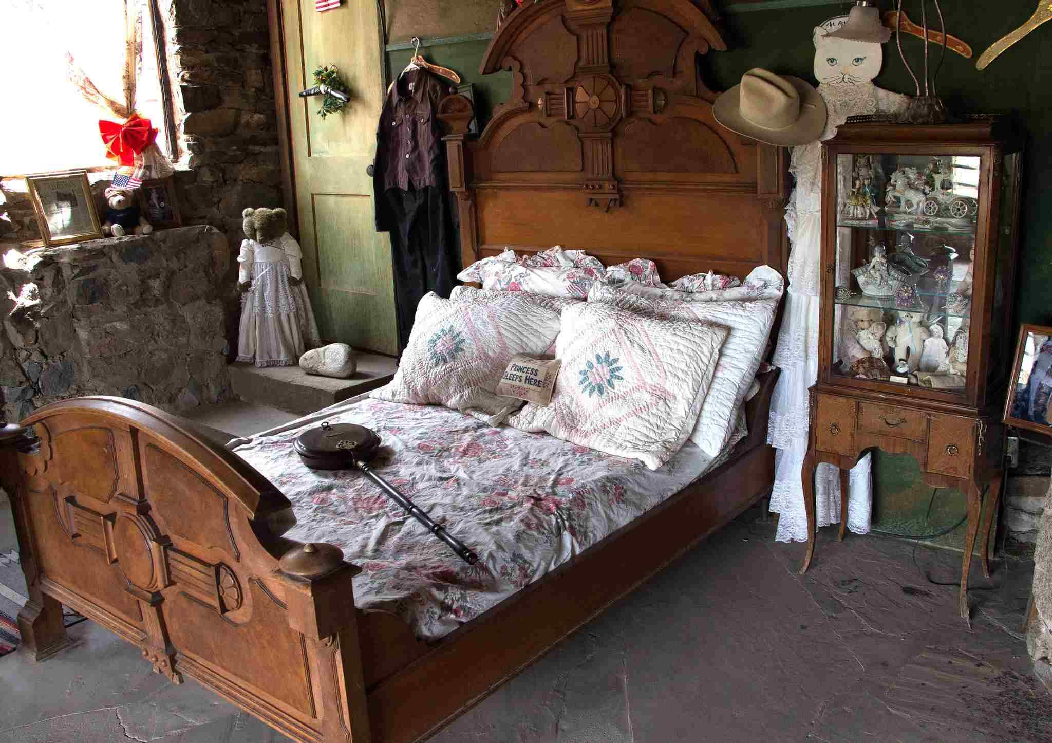 Mystery Castle bedroom