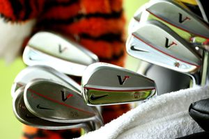 Muscleback blade style of golf irons