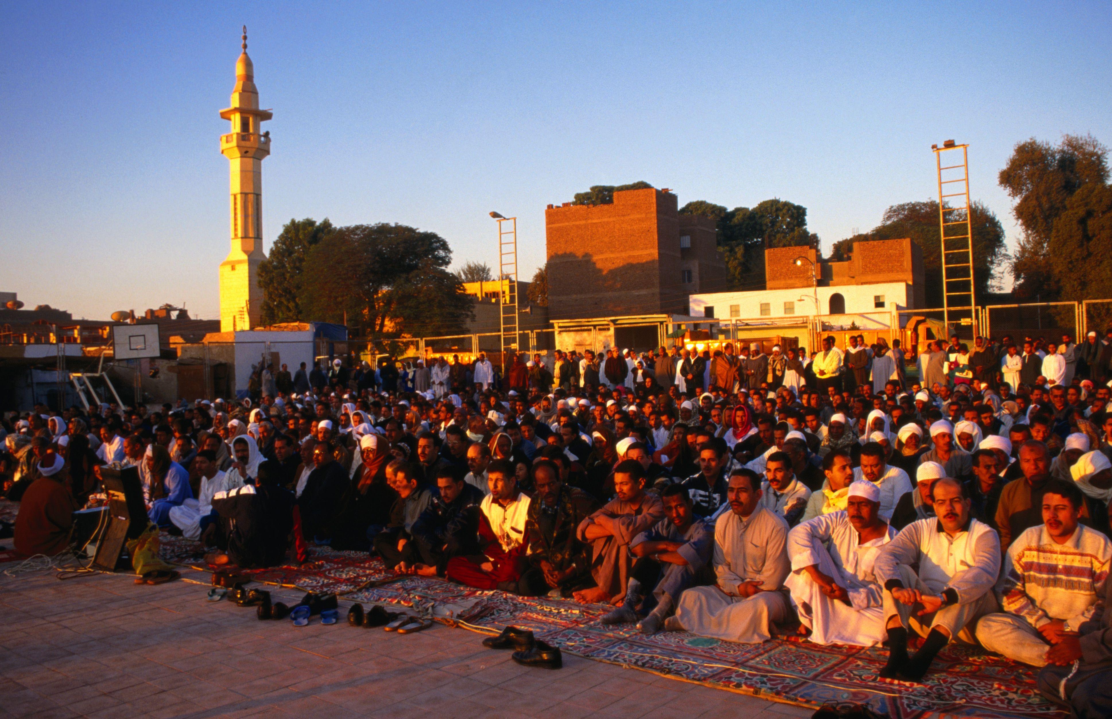 Oraciones de Eid-al-Fitr que terminan el Ramadán