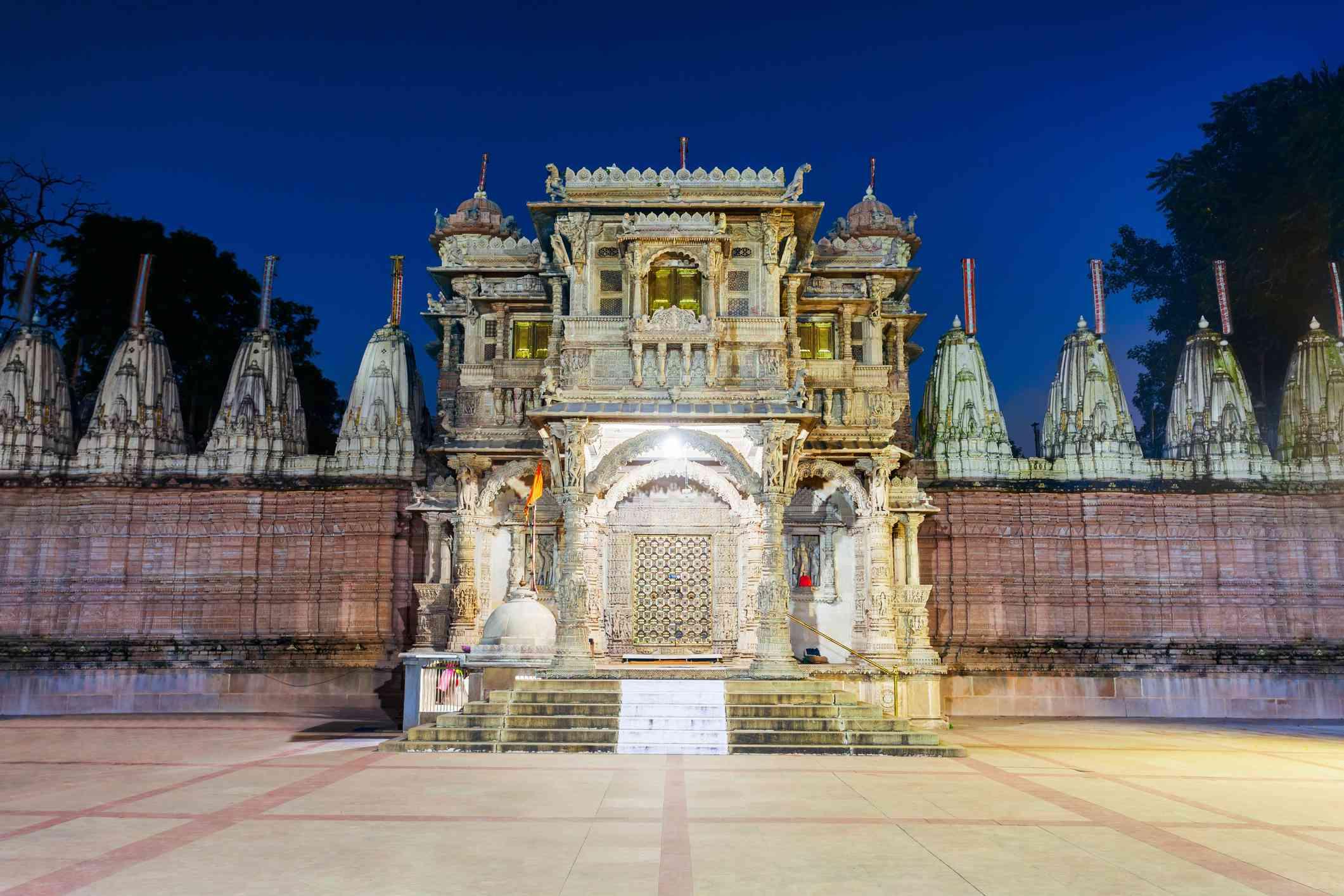 Hutheesing Jain Temple in Ahmedabad