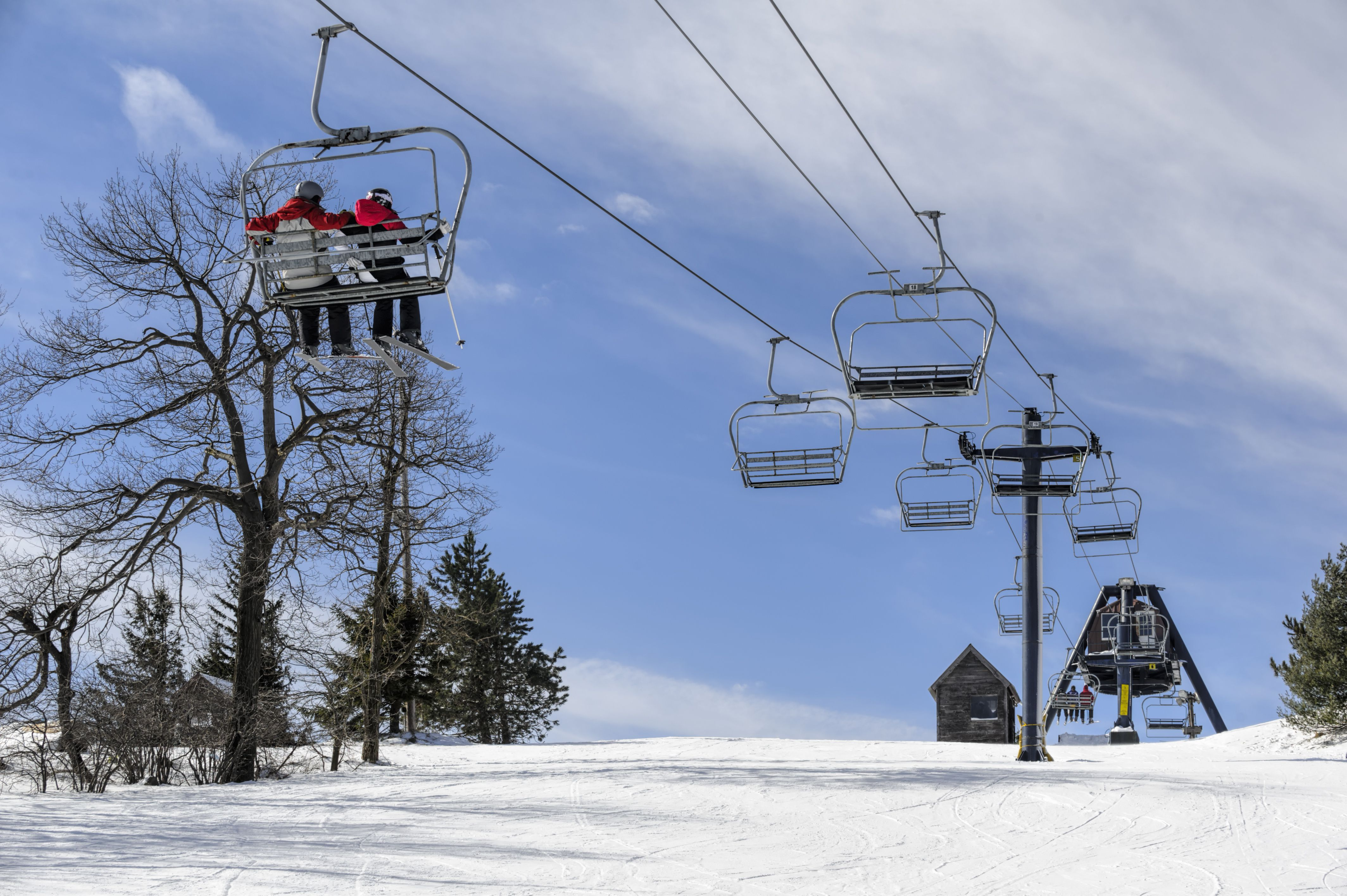10 pittsburgh area skiing and snowboarding resorts