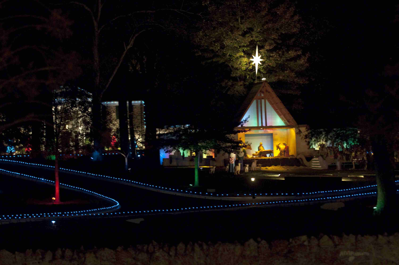 Annual Elvis Presley Lighting Celebration