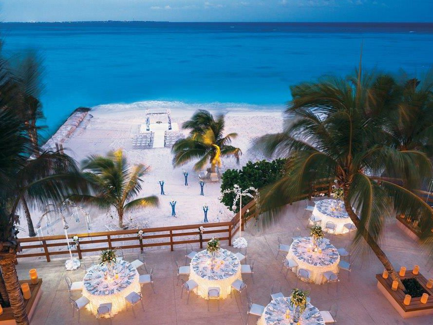 What is a Destination Wedding? Complete Guide Here