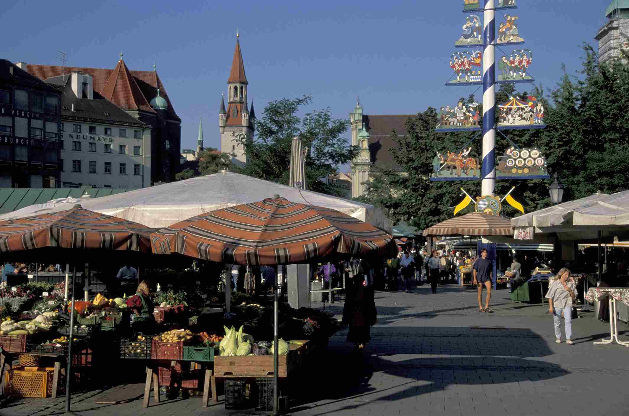 Munich Maibaum viktualienmarkt