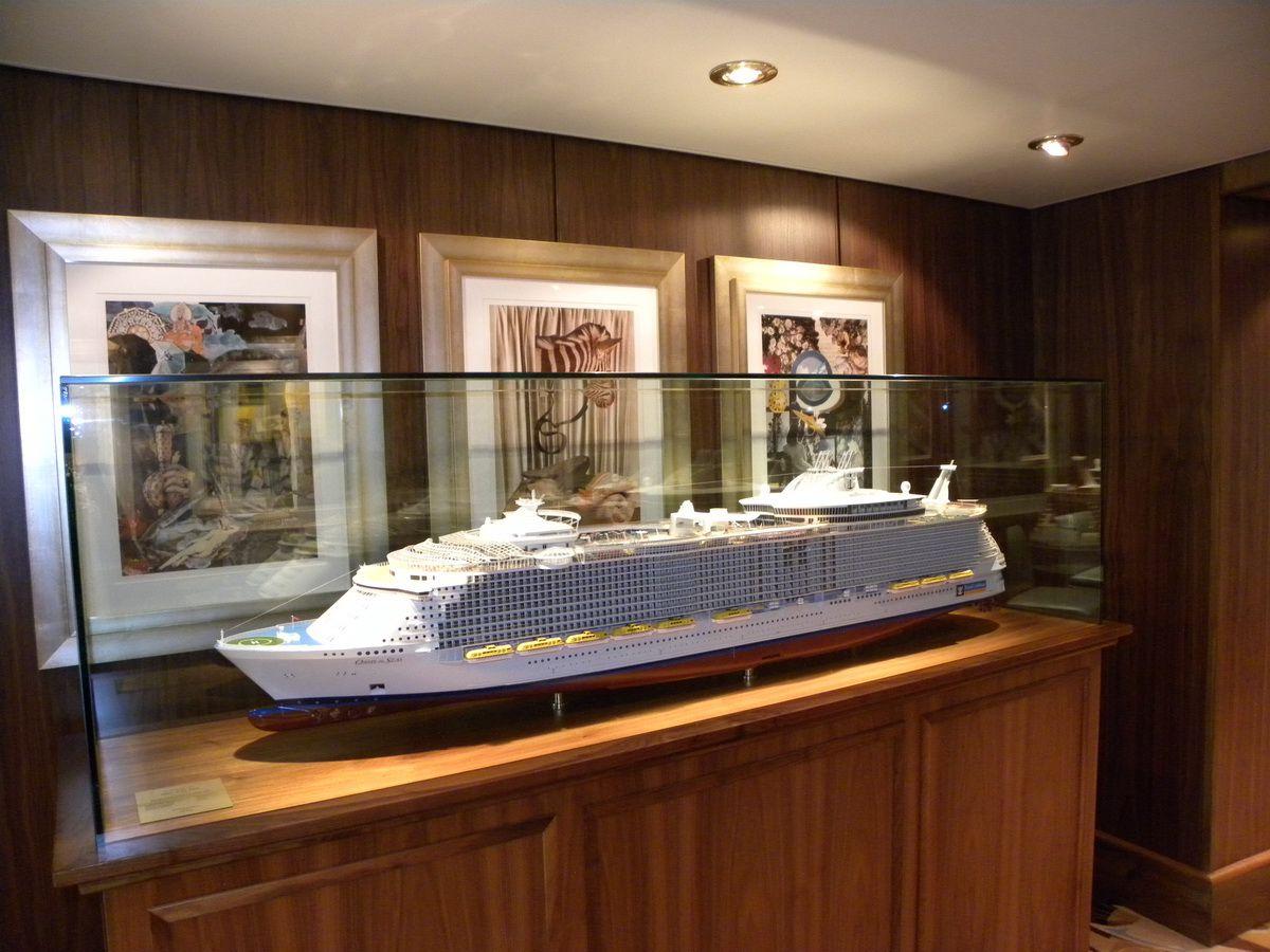 Oasis of the Seas Concierge Club