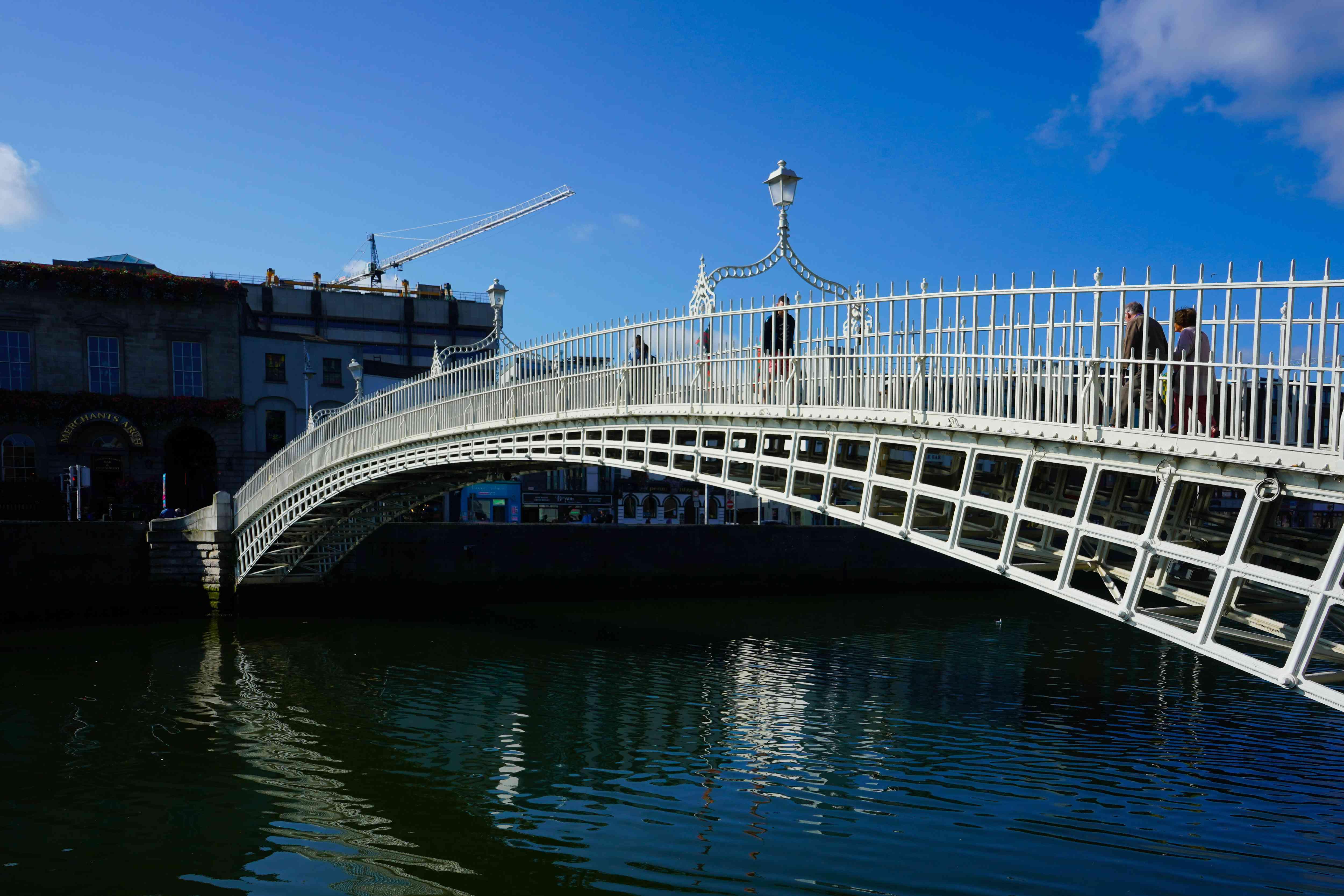 Puente Ha-penny en Dublín, Irlanda