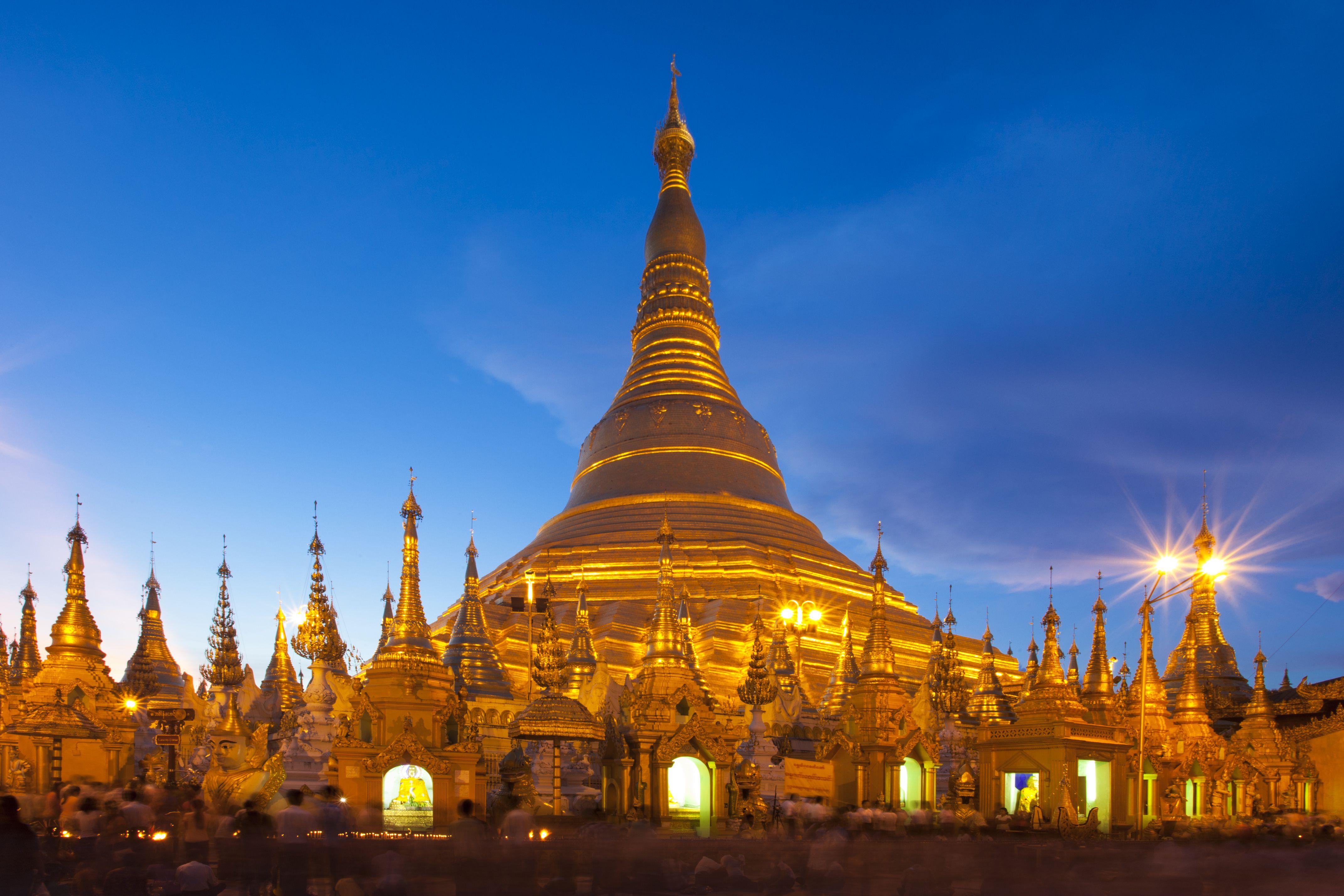 Shwedagon Pagoda at sunset, Yagon, Myanmar