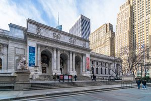 exterior of the new york public library